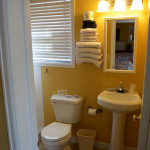 Adjoining Double Queen Rooms Bathroom