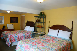 Adjoining Double Queen Rooms Beds