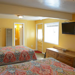 Adjoining Double Queen Rooms Tv & Bed